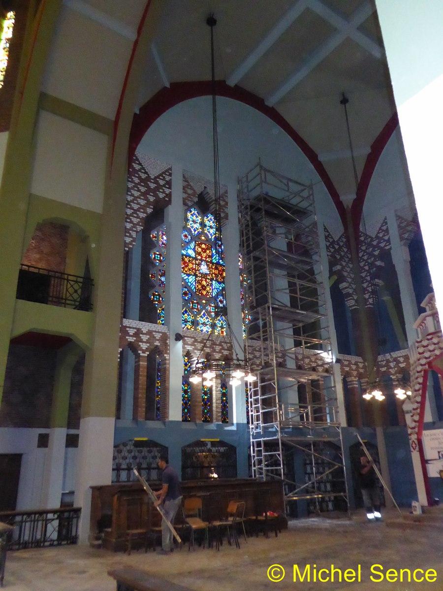 Comines le point sur les travaux de l glise au 31 juillet comines blog culturel for Retouche peinture plafond